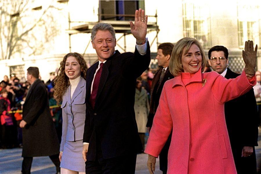 SI Hillary_Clinton_Bill_Chelsea_on_parade.jpg