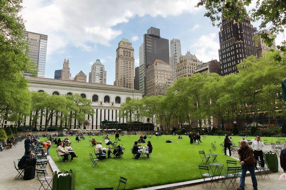 1200px-New-York_-_Bryant_Park.jpg